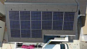 可視光カメラで太陽パネルを撮影